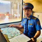 Nho-manh-giay-nguoi-dan-ong-duoc-trao-lai-boc-tien-100-trieu-dong-1--1--1595146534-140-width660height880